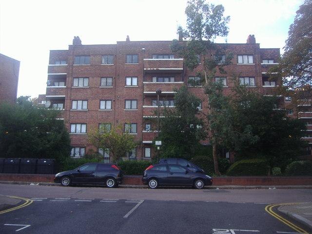 Flats on Warltersville Road, Upper Holloway