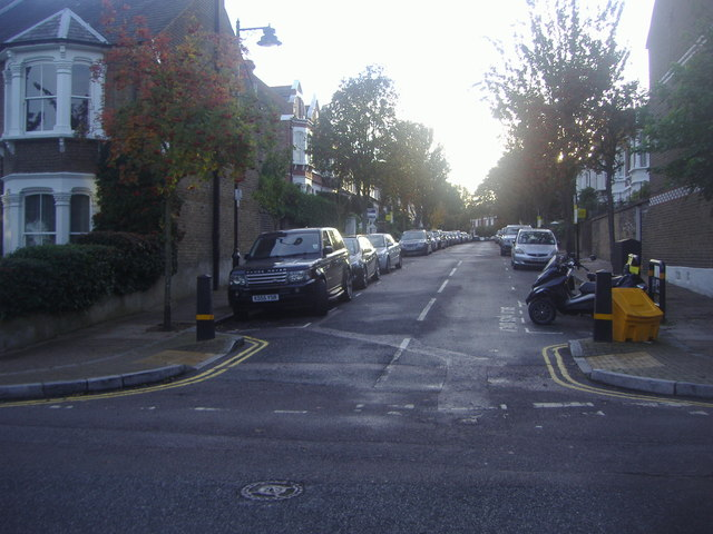 Gresley Road at the junction of Ashmount Road