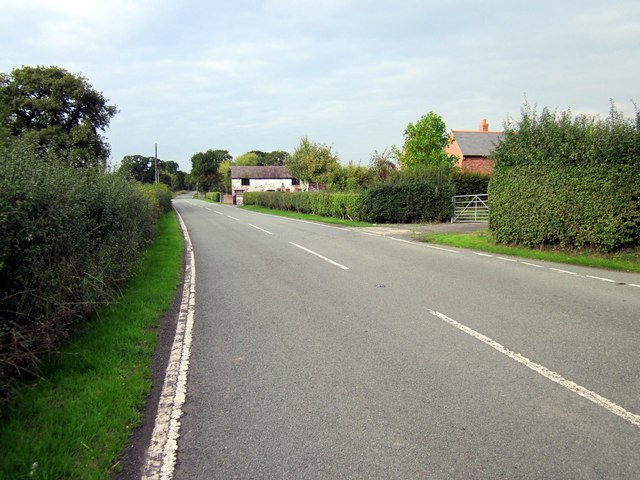 The B5130 (Holt Road) at Isycoed
