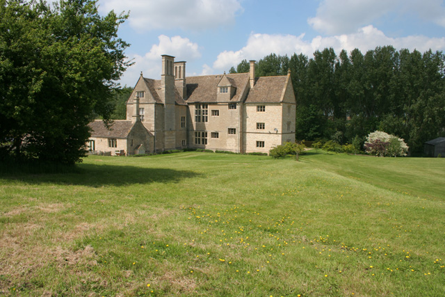 Lyveden Manor