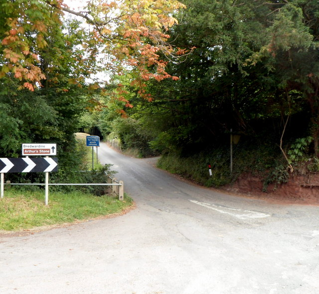 Road from Dorstone to Bredwardine and Arthur's Stone
