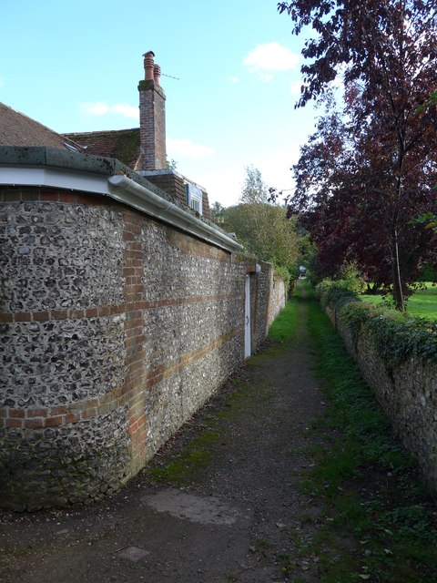Midsection of the footpath from the church to the A32