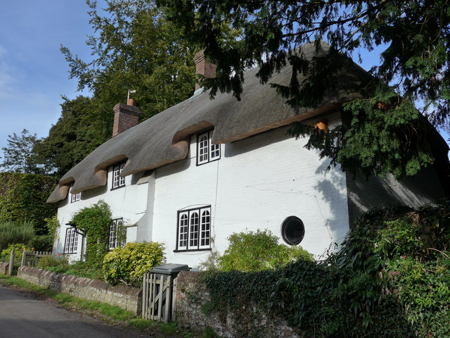 Thatched cottage in Church Lane