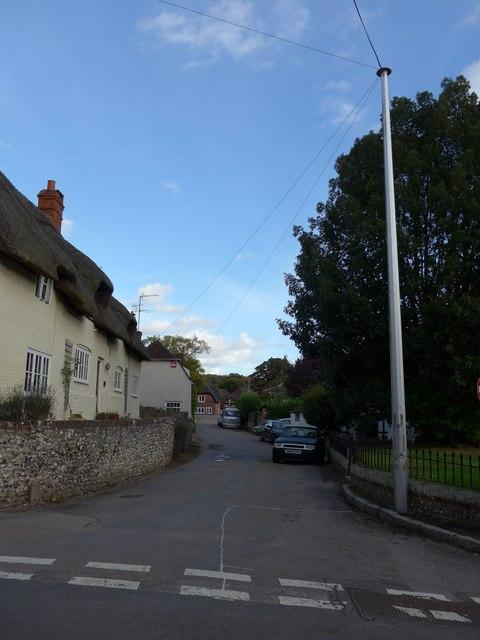 Cut through from Church Lane to the A32