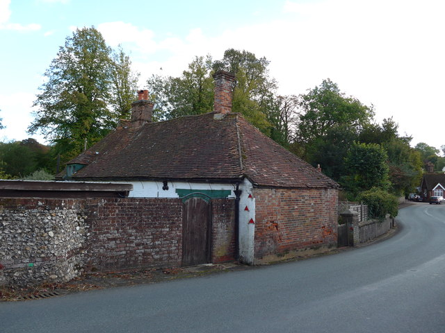 Pansy Cottage, right on the A32