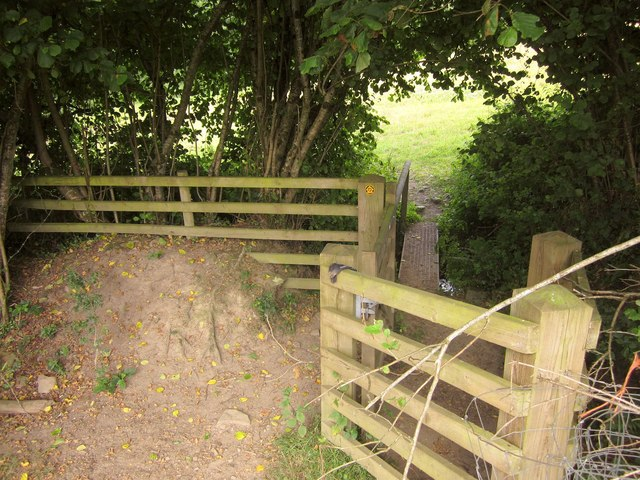 Gate and footbridge on the Tarka Trail