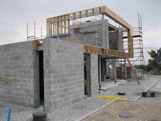 Cefn Castell newydd - The new Cefn Castell