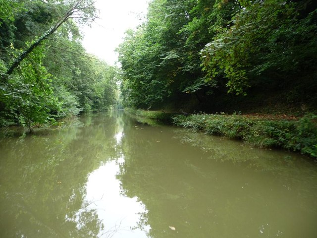 Kennet & Avon canal, west of Bruce Tunnel