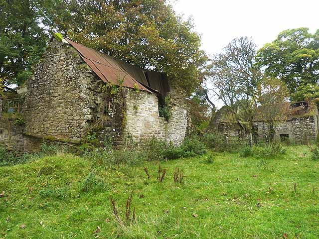 Ruined barns at Low Roses Bower