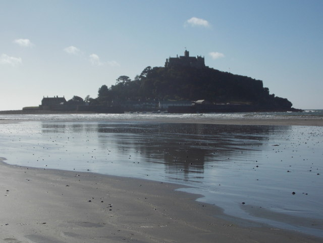 Marazion: St. Michael's Mount reflected on the beach