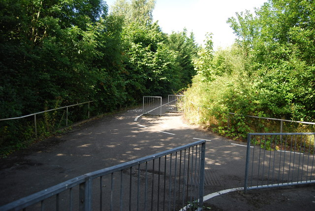 Cycle tracks and paths near the A20