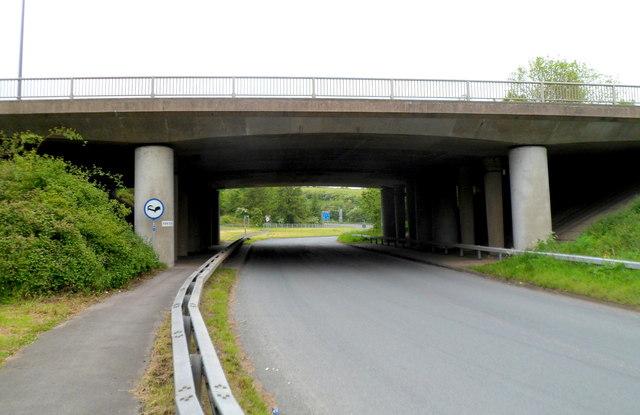 Motorway bridge at M48 junction 1, Aust