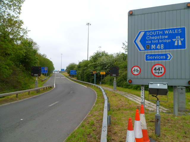 Entrance slip road to the M48 at junction 1, Aust