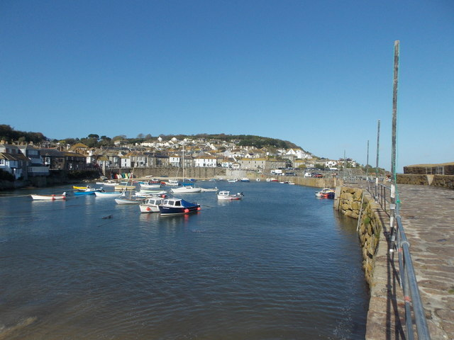 Mousehole: the harbour