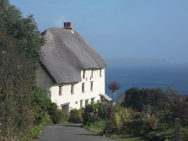 The Lizard: thatched house at Church Cove