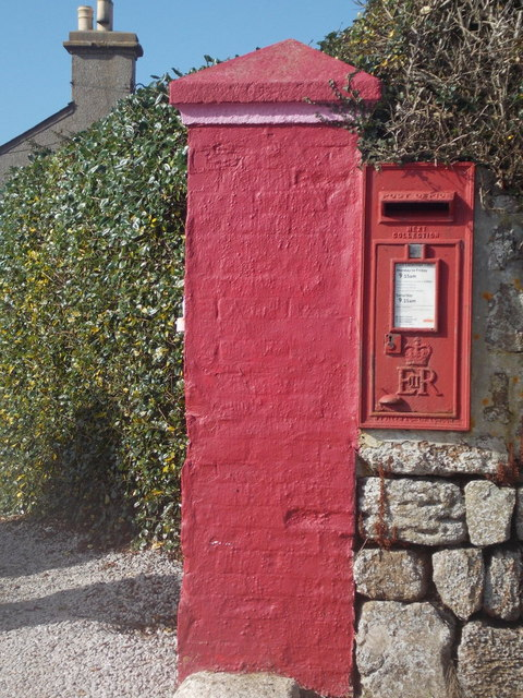 The Lizard: postbox № TR12 41, Penmenner Road