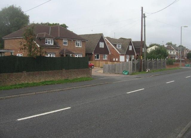 Houses along Kempshott Lane