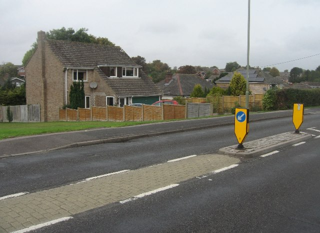 Traffic calming along Kempshott Lane