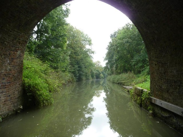 Kennet & Avon canal, east of Bruce Tunnel