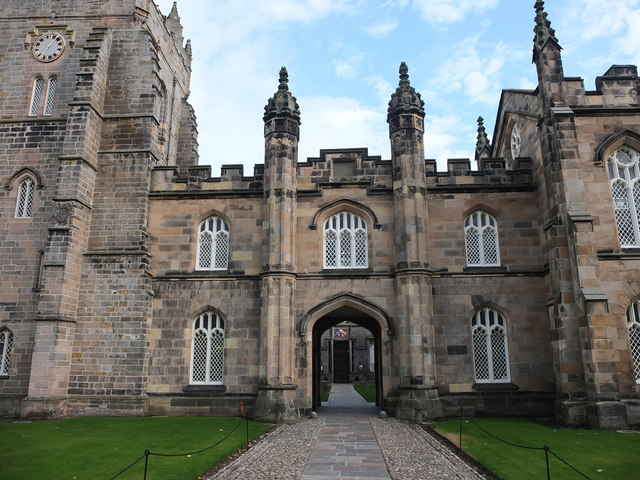 Archway to King's College quadrangle