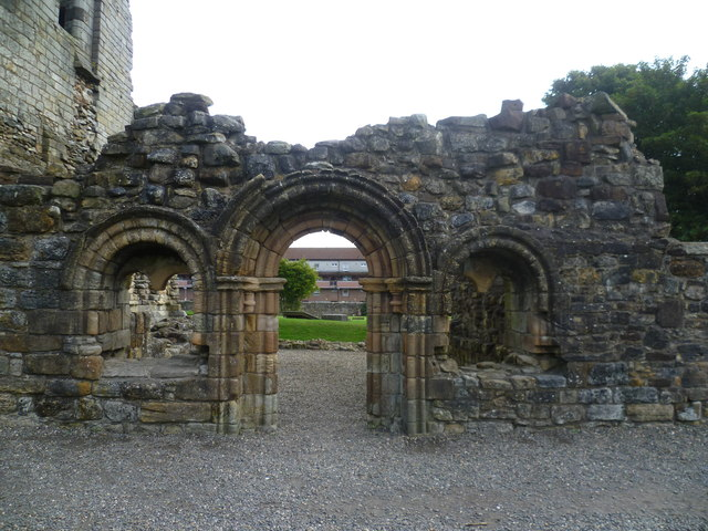Ruined doorway, Kilwinning Abbey