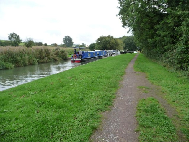 Narrowboat joining another in Adopters Lock [no 57]