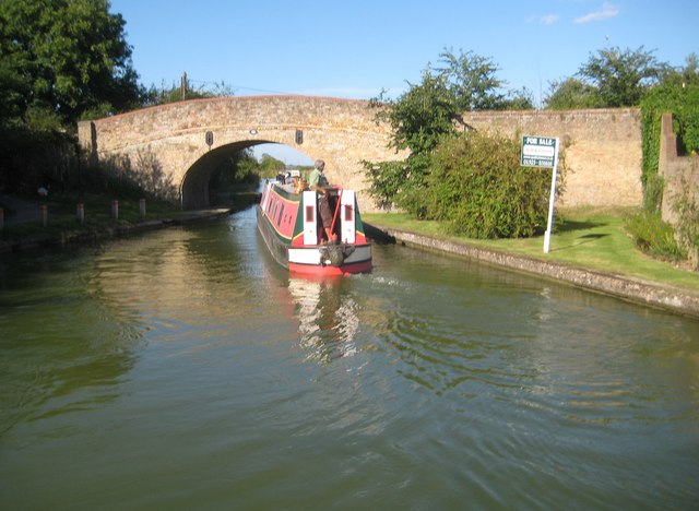 Grand Union Canal: Bridge Number 123
