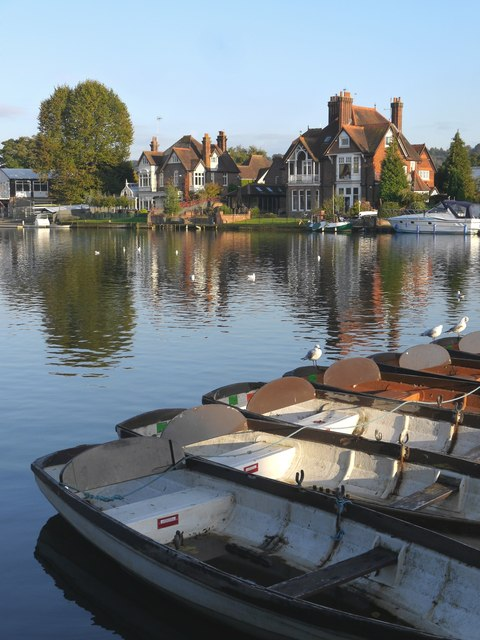 Moorings at Higginson Park, Marlow