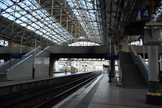 Platform 4, Manchester Piccadilly Station