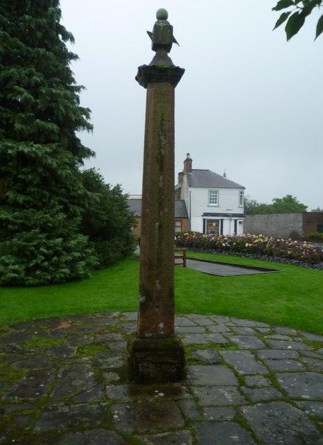 Lochmaben mercat cross