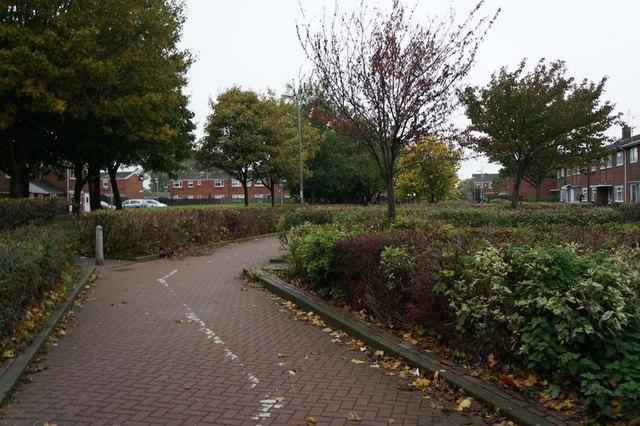 A path on Kilburn Avenue