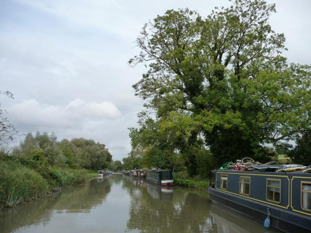 Moored narrowboats on south [towpath] bank
