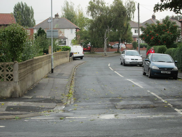 Whitehall Crescent - Bradford Road