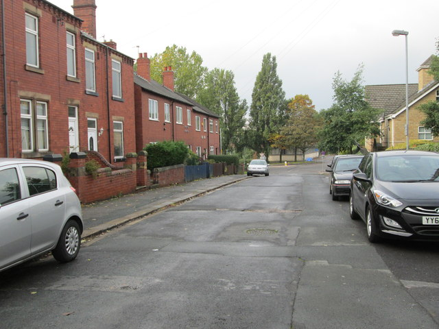 Buxton Place - looking towards Leeds Road