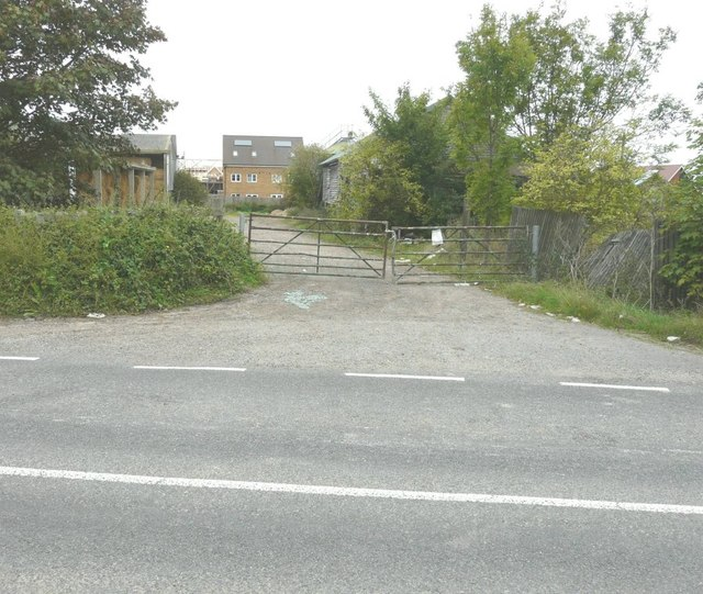 Derelict buildings, Scocles Farm, Scocles Road