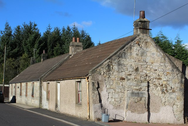 Cottages south of Torwood