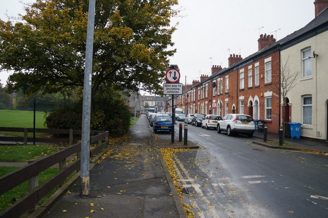 Freehold Street towards Spring Bank, Hull
