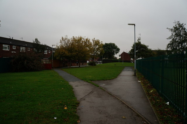 A path leading to Clarendon Street, Hull