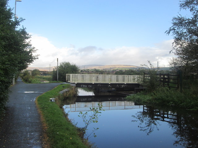 Rochdale Canal, Deepdale or Moss Swing Bridge