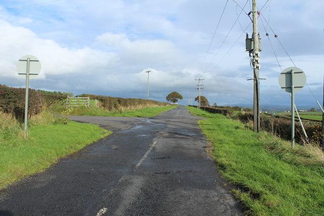 Road to Ochiltree near High Tarbeg