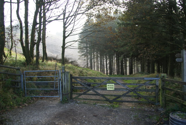 Route into Macclesfield Forest