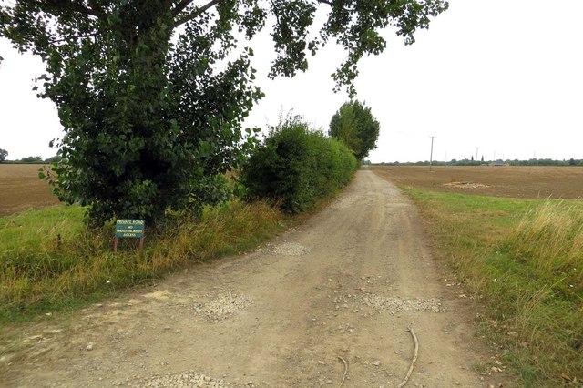 Private road to Newbridge Farm
