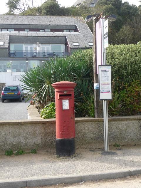Maenporth: postbox № TR11 69