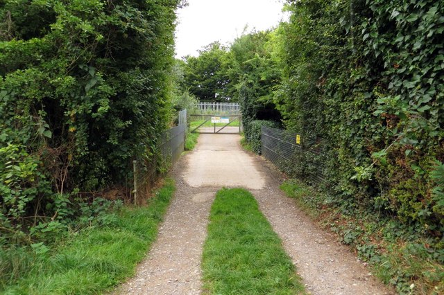 Track to Meadow Close