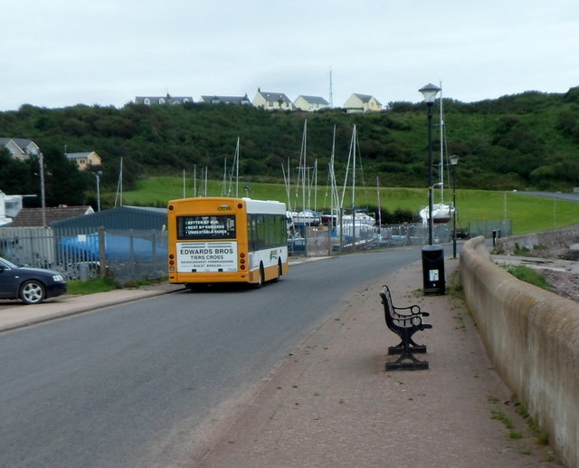 Edwards Bros bus in Gelliswick Road awaiting departure for central Milford Haven