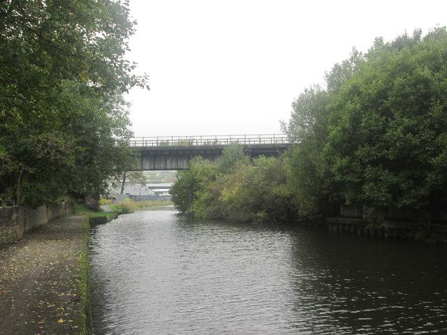 Railway bridge 105A, Leeds & Liverpool Canal