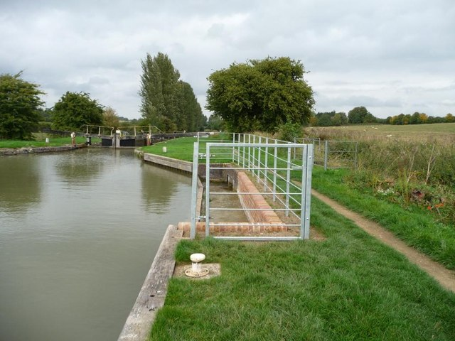 New bywash weir, Potters Lock [no 66]