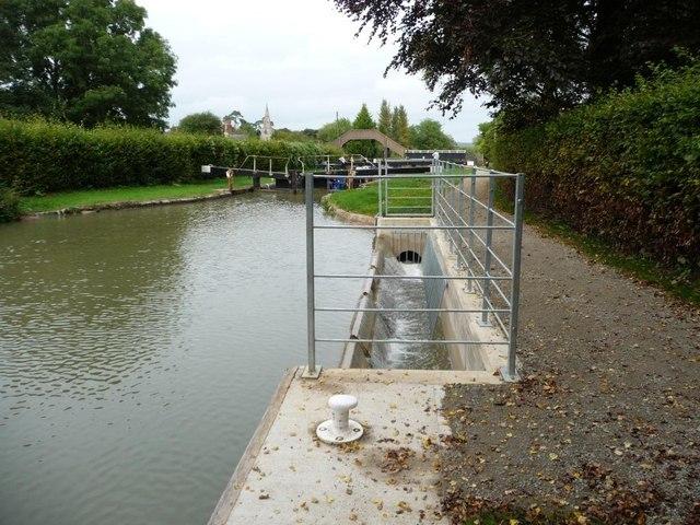 New bywash weir, Little Bedwyn Lock [no 67]