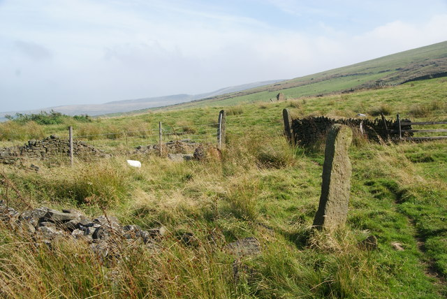 Redundant gatepost below Andrew's Edge