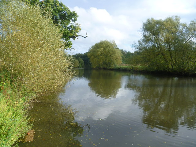 River Medway between Wateringbury and Teston Bridge